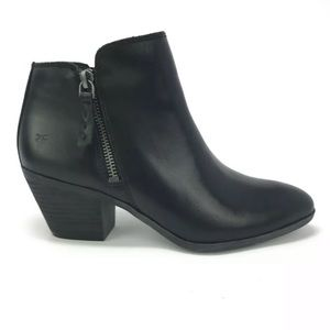 🆕 FRYE Black Leather Judith Ankle Bootie 10